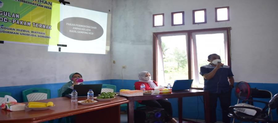 Dosen Peternakan memberikan Sosialisasi dan Pelatihan Pembuatan Pakan Fermentasi Dari Ampas Kelapa (Hasil Samping Pembuatan VCO)
